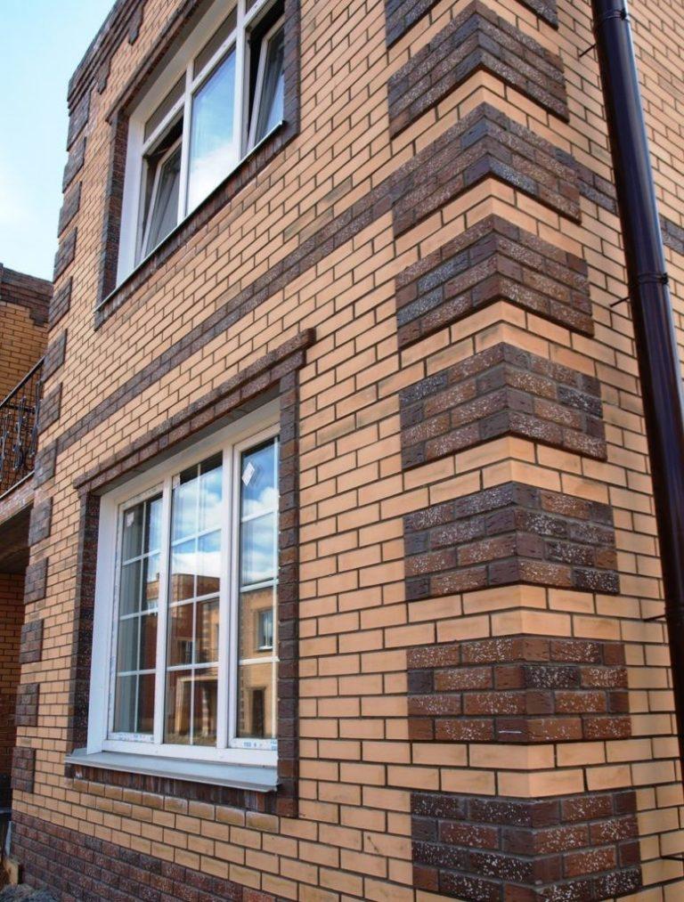 фасады домов из кирпича разного цвета фото бьорндалена домрачевой
